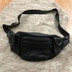 Handbags - Vintage Large Faux Leather Fanny Pack